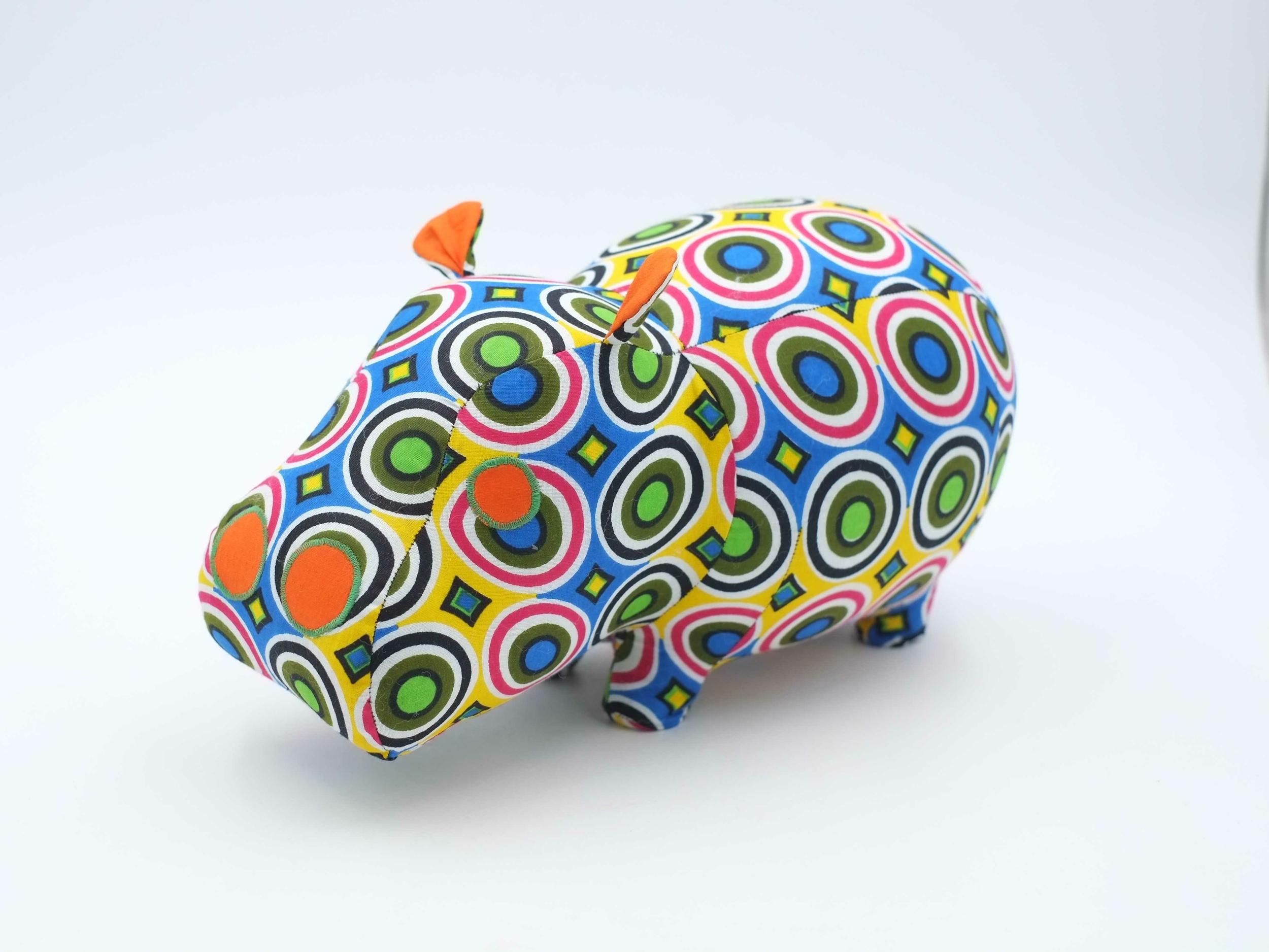 Hippopotame décoratif en wax du Sénégal