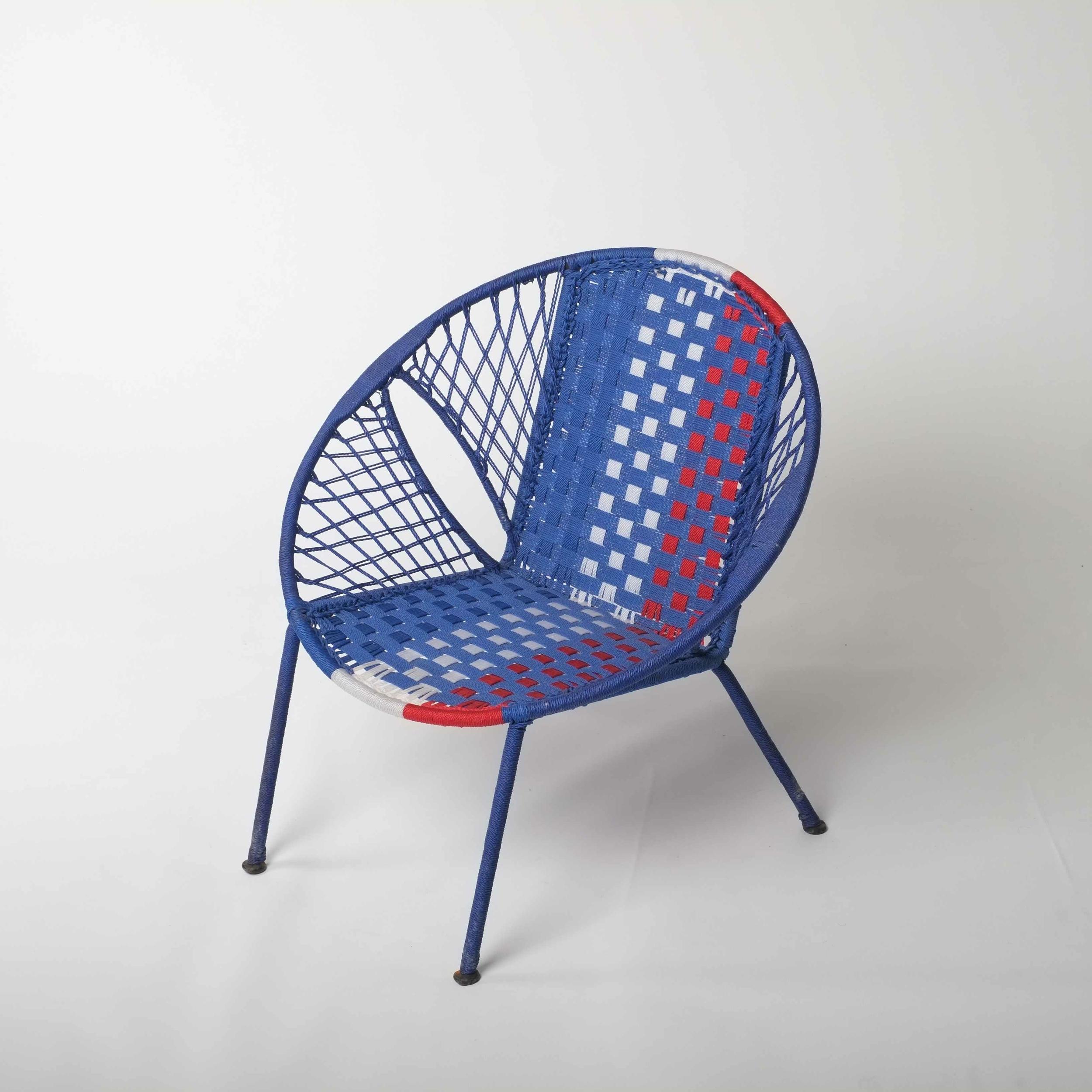 Chaise enfant en métal et fil de pêche recyclés modèle panier tricolore - Sénégal