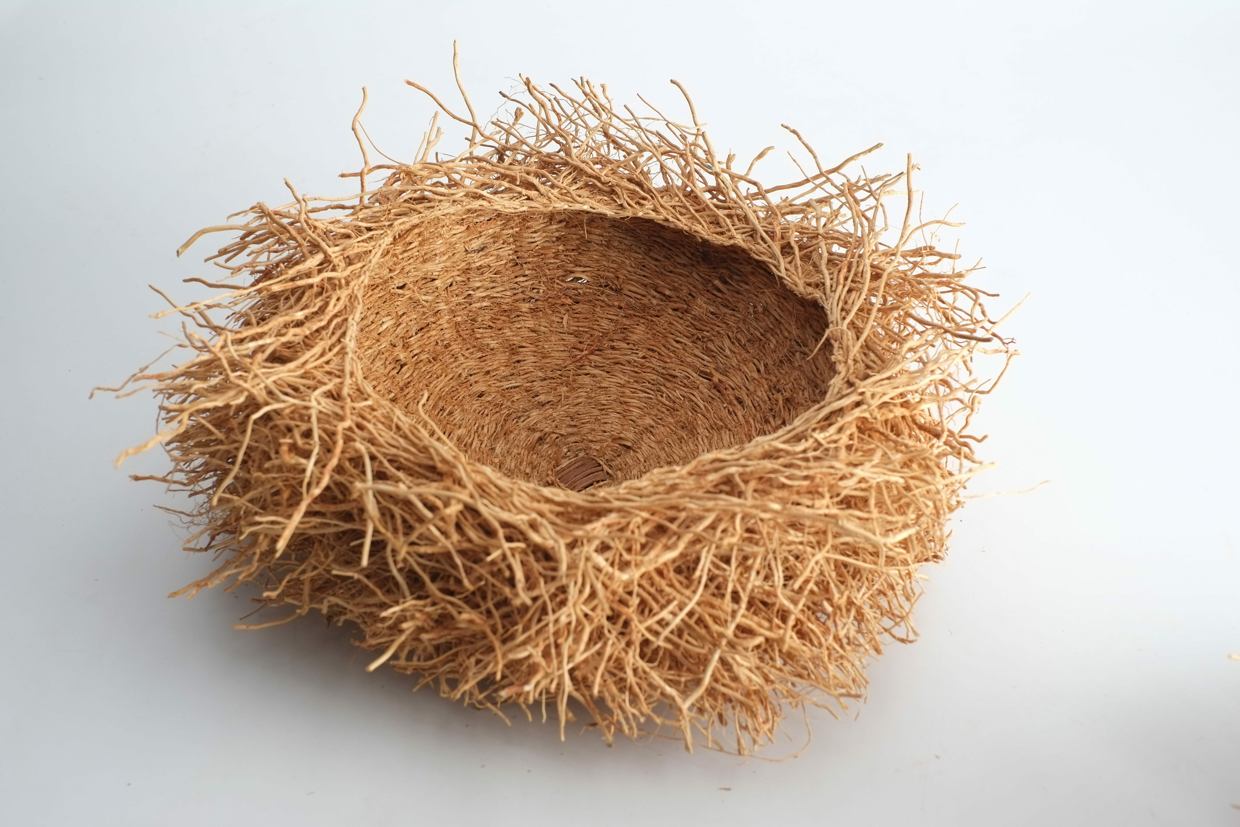 Nid décoratif et odorant en vétiver de Madagascar