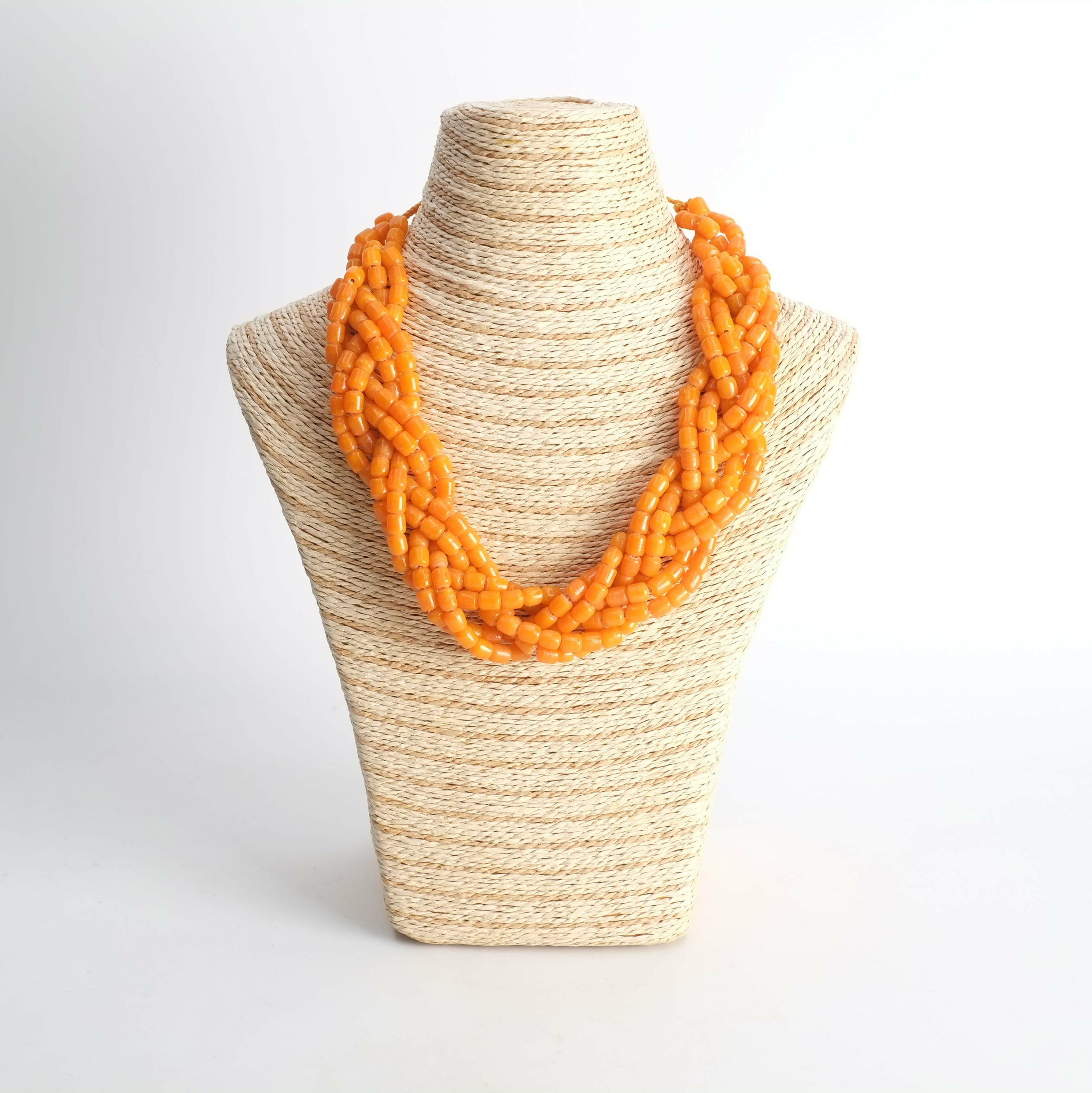 Collier en perle de verre orange du Sénégal