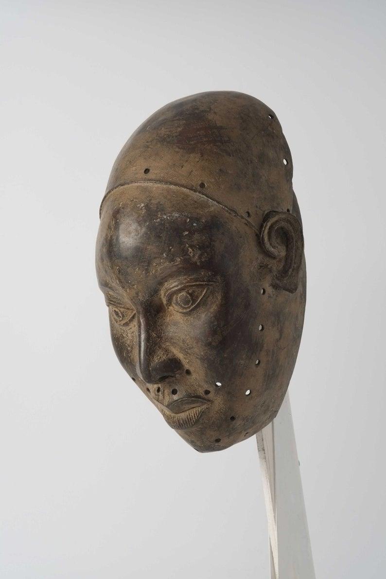Masque en bronze