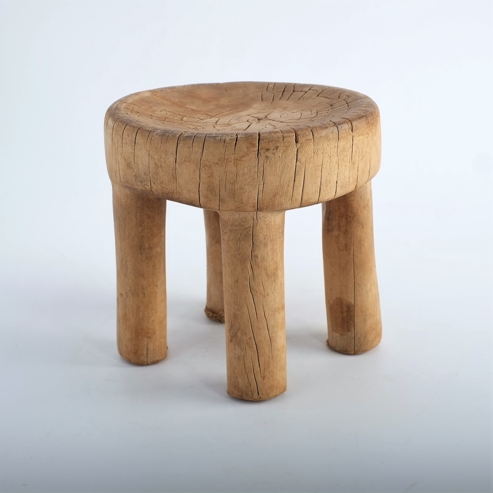 Tabouret traditionnel en bois du Burkina Faso