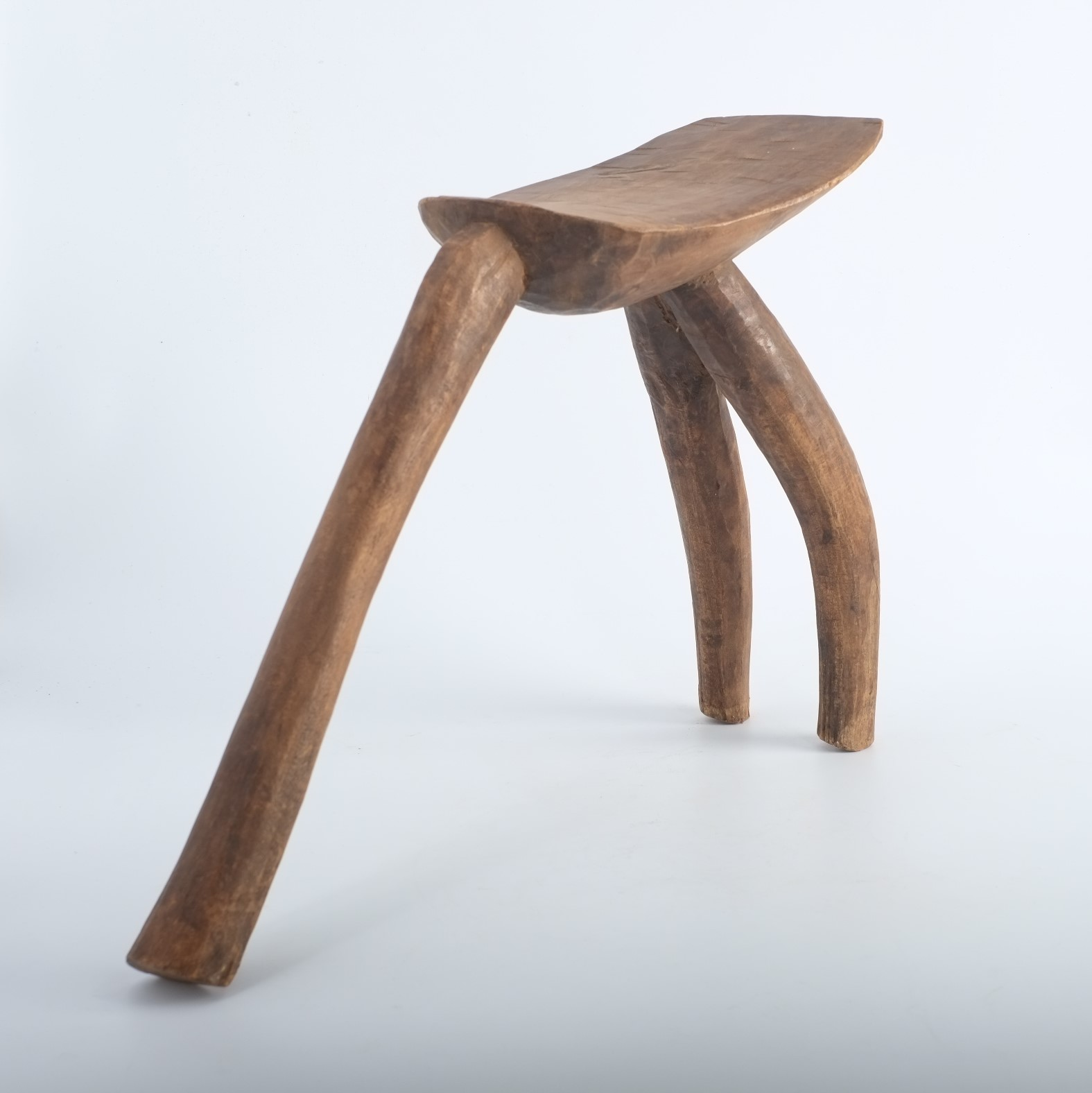 Tabouret traditionnel LOBI en bois du Burkina Faso