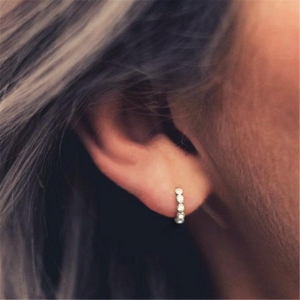 Les Boucles d\'oreilles white mini argent