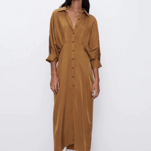 La robe moutarde Trocadéro