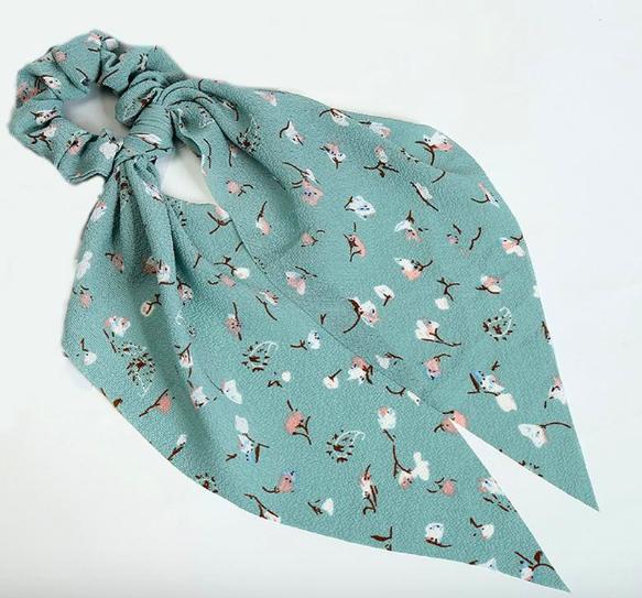 Le Chouchou foulard floral Quai de Seine