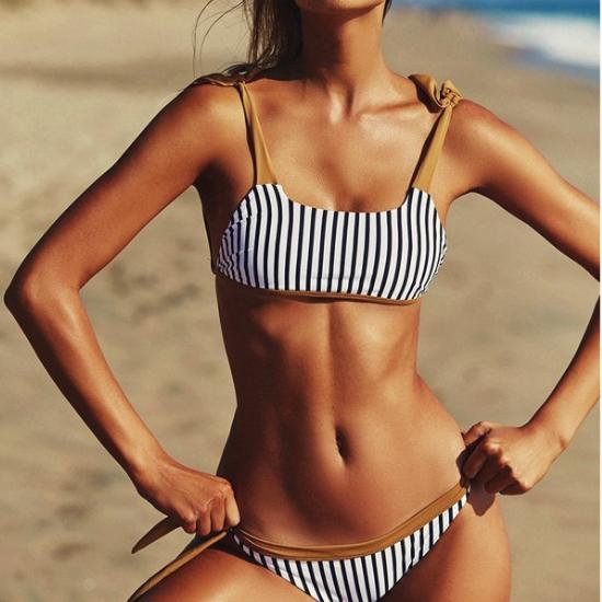 Le Bikini rayé Trocadéro