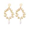 boucles d'oreilles dorées pendantes feuille d'olivier perle nacrée bijoux fantaisie la selection parisienne 1