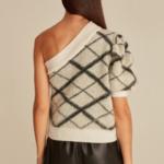 pull asymétrique sans manche original chic blanc à carreaux noirs mode femme automne hiver 2020 en ligne 2