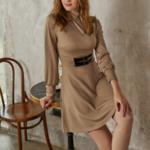 robe courte dhiver beige ceinturée à manches longues chic sophistiquée pas cher femme en ligne la selection parisienne 3