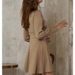 robe courte dhiver beige ceinturée à manches longues chic sophistiquée pas cher femme en ligne la selection parisienne 2