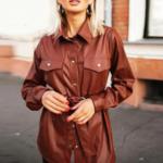 chemise à boutons et manches longues hiver cuir pu marron brique femme la selection parisienne en ligne 1