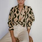 chemisier beige et noir imprimé géométrique tendance femme eshop la selection parisienne