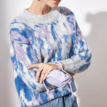 pull imprimé bleu et blanc pour femme tendance en ligne 1