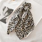 chouchou foulard foulchie imprimé léopard accessoire cheveux tendance pas cher