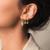 petites boucles d'oreilles dorées pendantes bijoux fantaisie petit prix la selection parisienne
