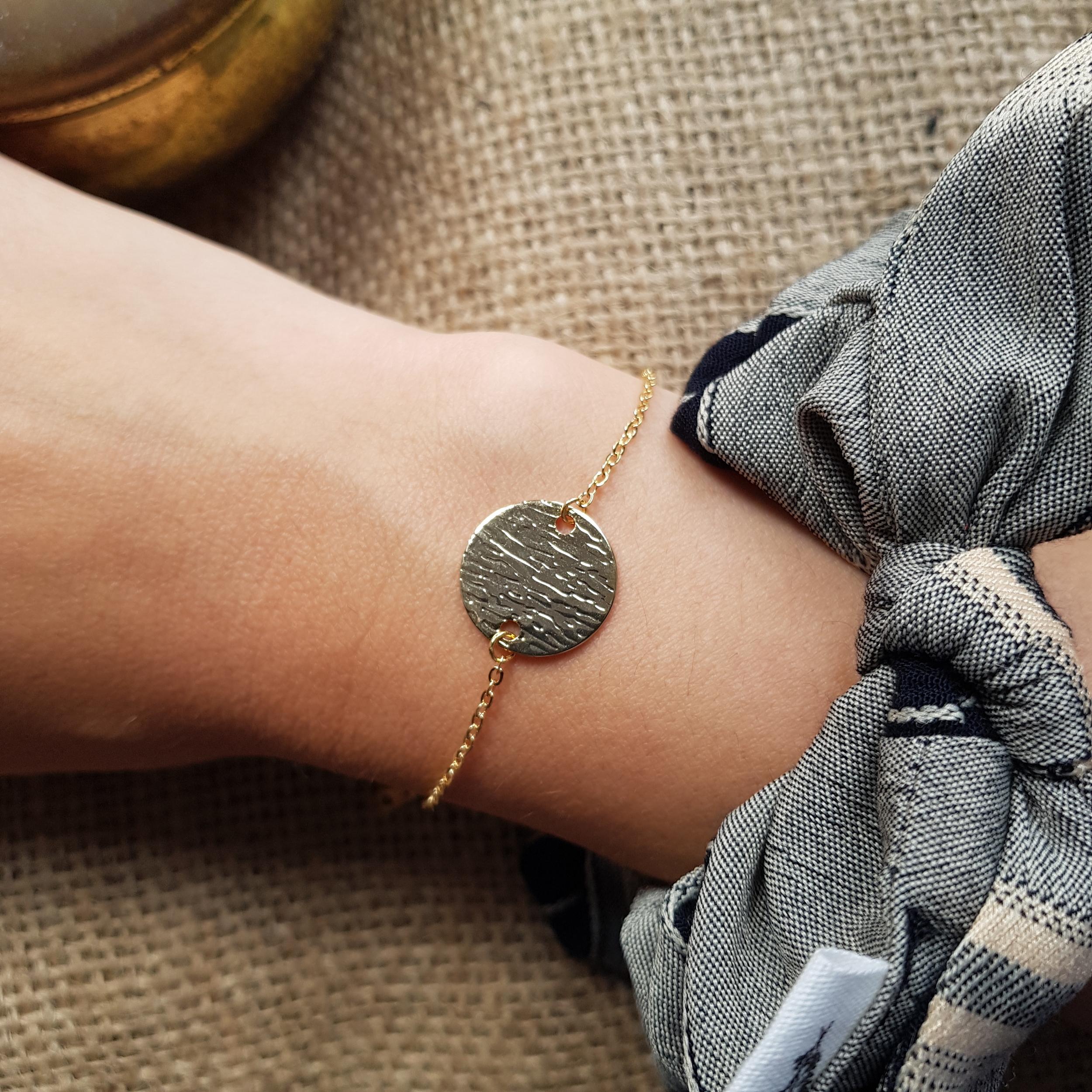Bracelet rond frappé