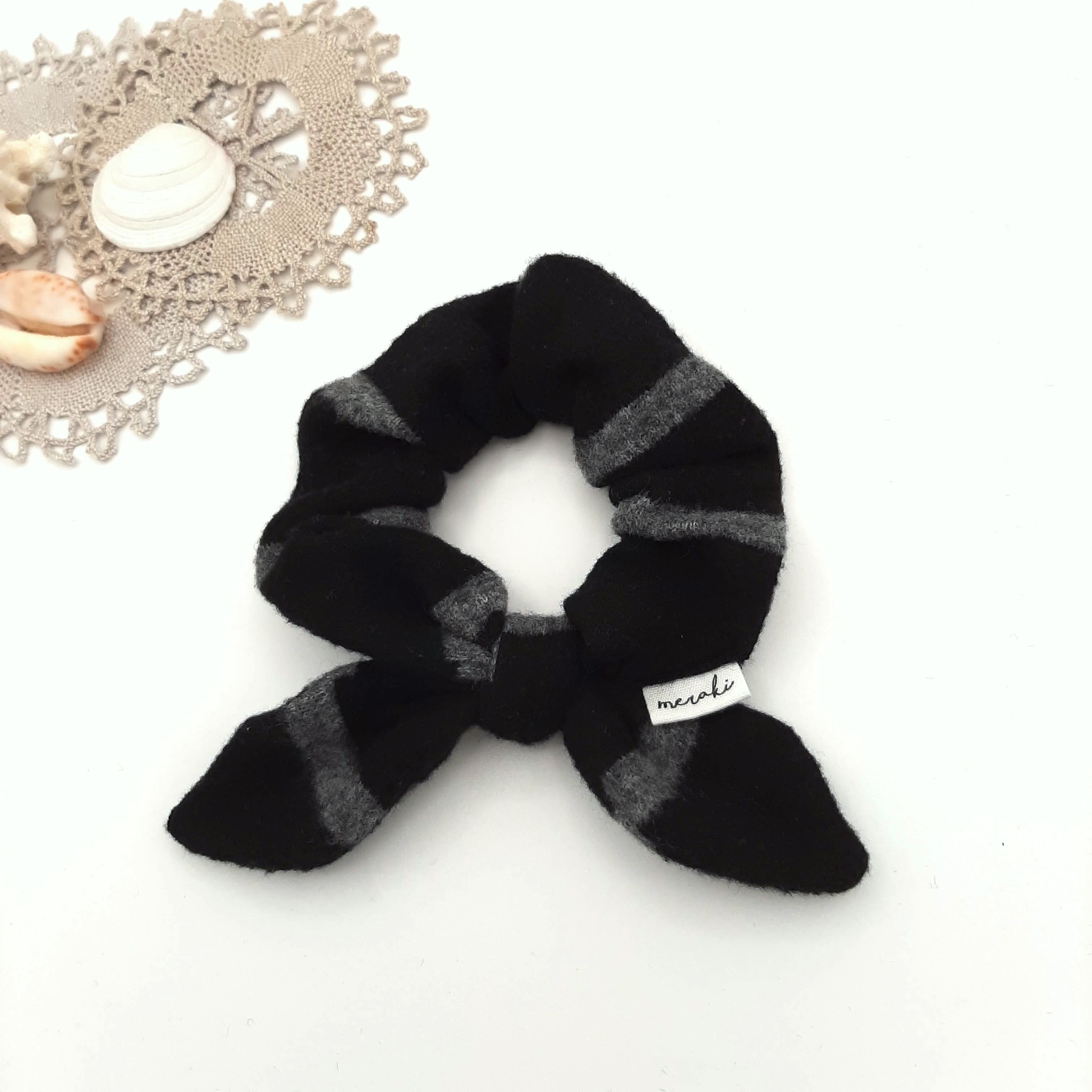 Noir rayé gris velours