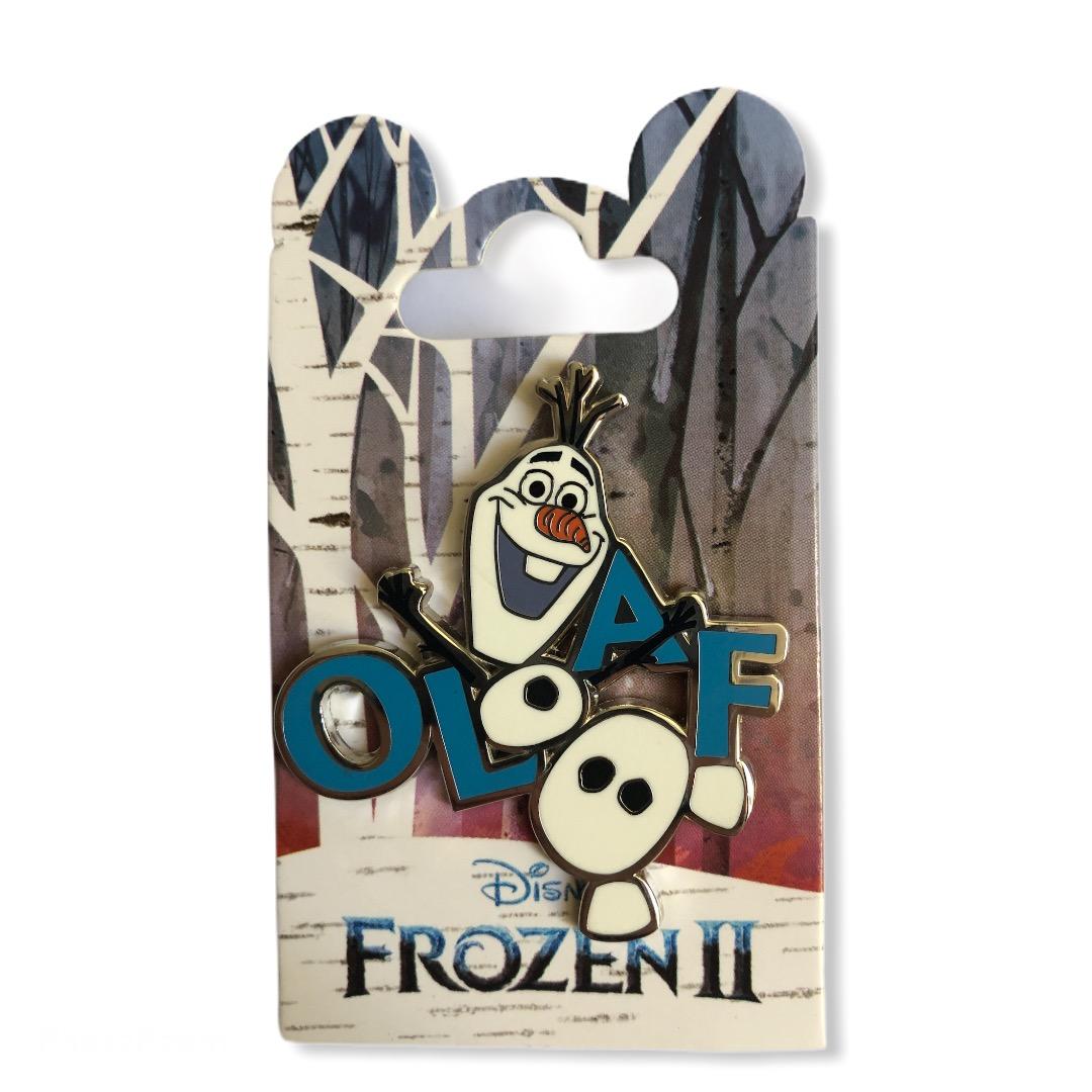 Disney - La Reine DES NEIGES 2 - Pin\'s Olaf lettres OE
