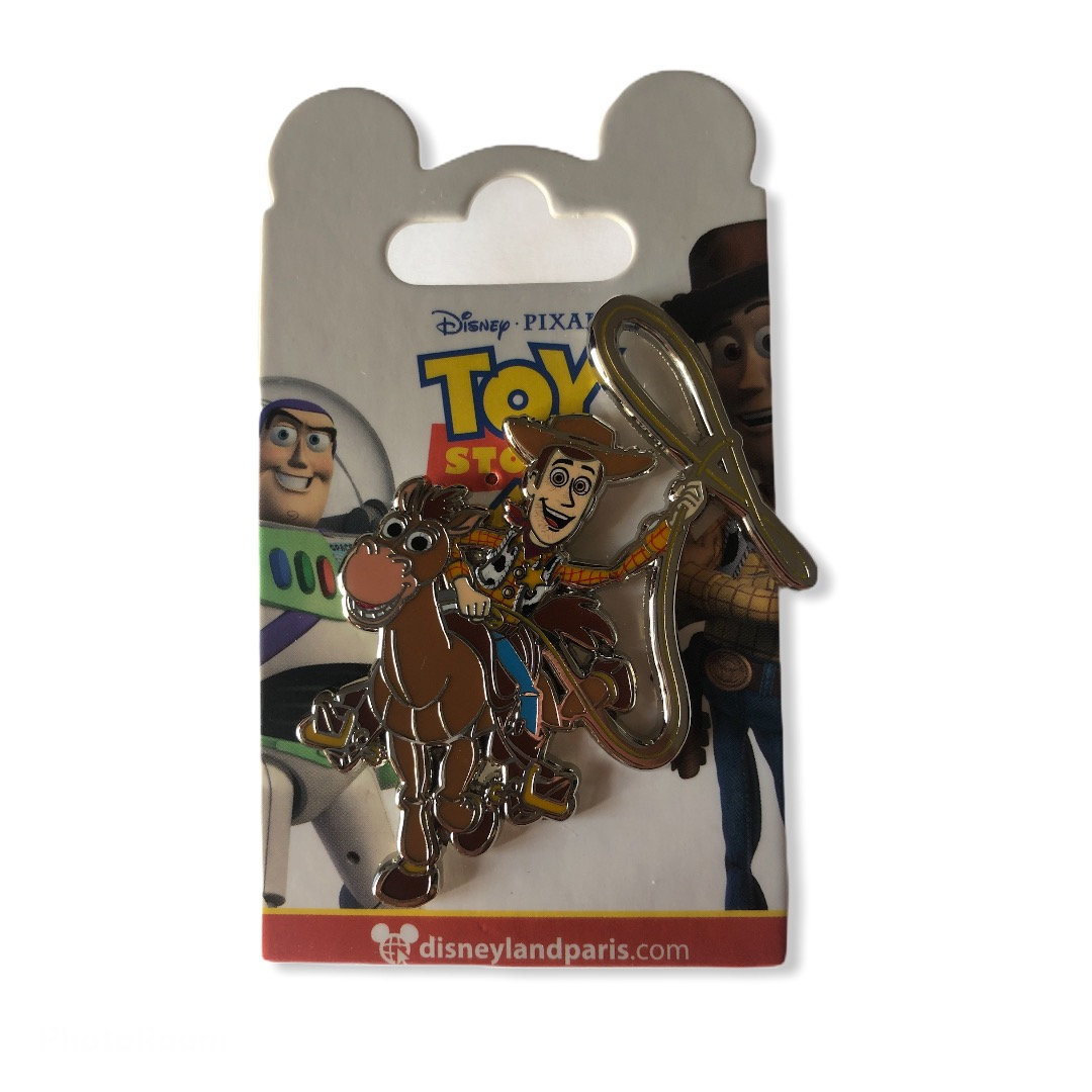 Disney - TOY STORY : Pin\'s Woody & Pile Poil OE