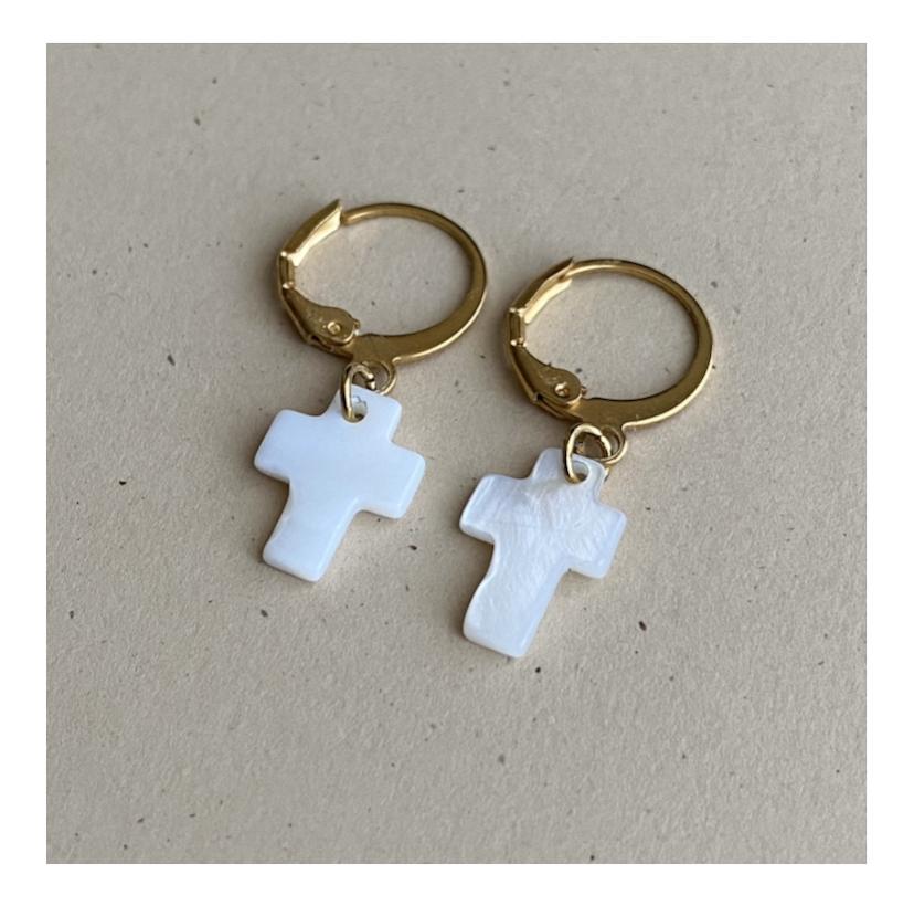 Mini créoles croix nacrée