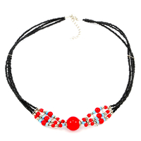 Collier ethnique fils multirangs perlés noirs perles rouges