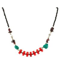 Collier ethnique palets rouges