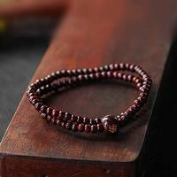 Bracelet en bois de santal rouge