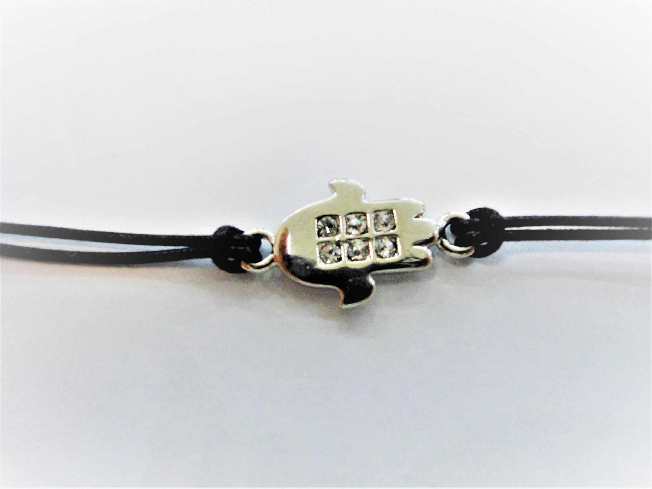 Bracelet cordon noir avec main argentée et zirkon