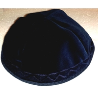 Kippa de luxe en velours bleu marine brodée motif chevrons