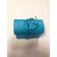 Emballage coffre à dragées en cartonnage bleu avec déco dragées inclus par 25