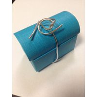 Emballage coffre en carton avec dragées et déco couleur argent par 25