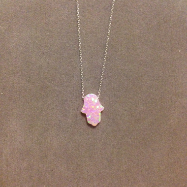 chaine et pendentif main opaline rose