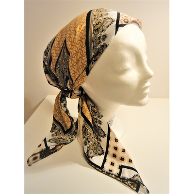 Foulard carré style Hermes de Rinati Lakel