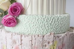 wedding-cake-fondant_136346-1132