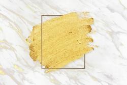 gold-makeup-smudge_53876-90862