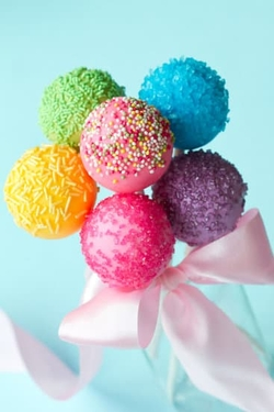 canva-colorful-cake-pops-MAA5uod2yyQ