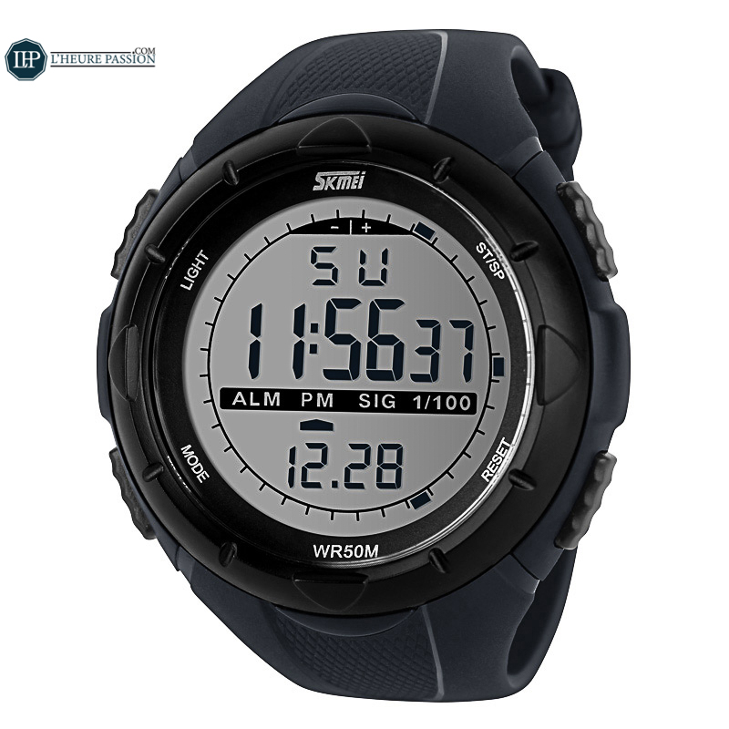 Men\'s multifunction led digital sports watch