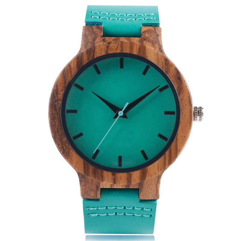 Watch is made of natural wood and is ideal for a couple duo.