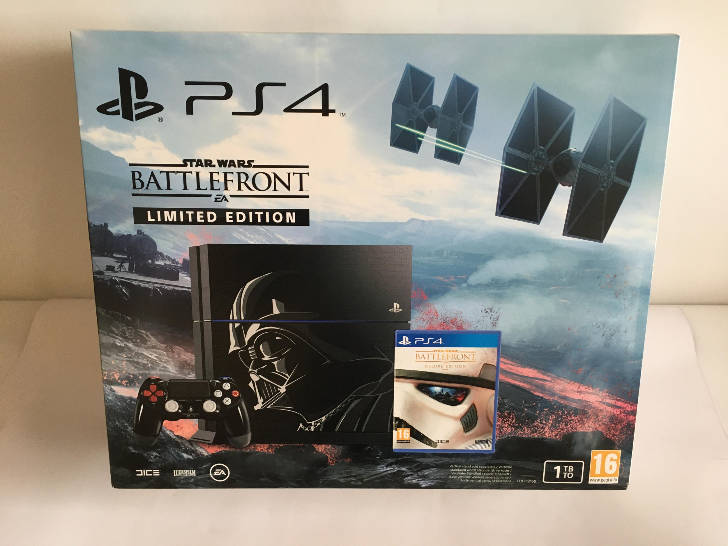 Console PlayStation 4 1To + Star Wars : battlefront - édition limitée