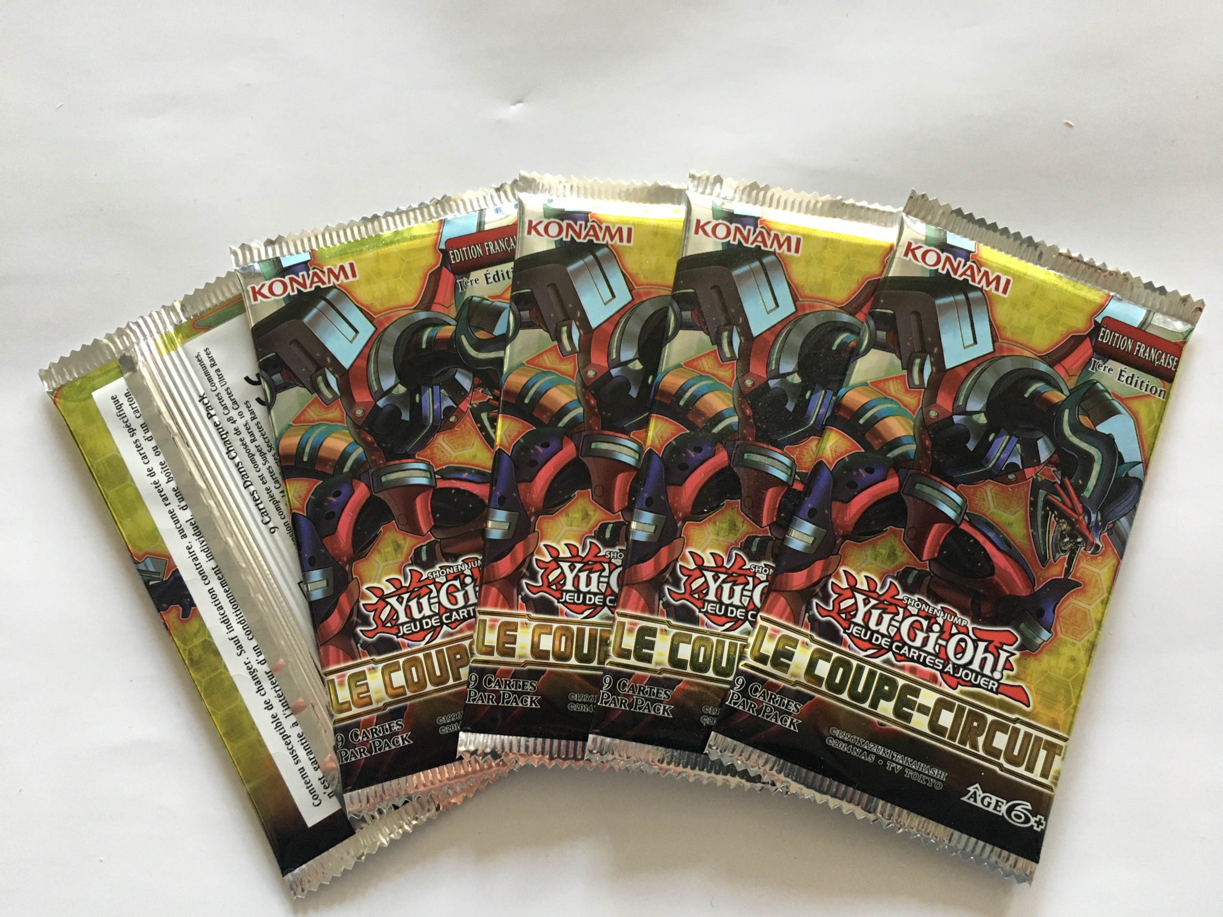 Cinq Boosters Yu-gi-oh Le Coupe Circuit