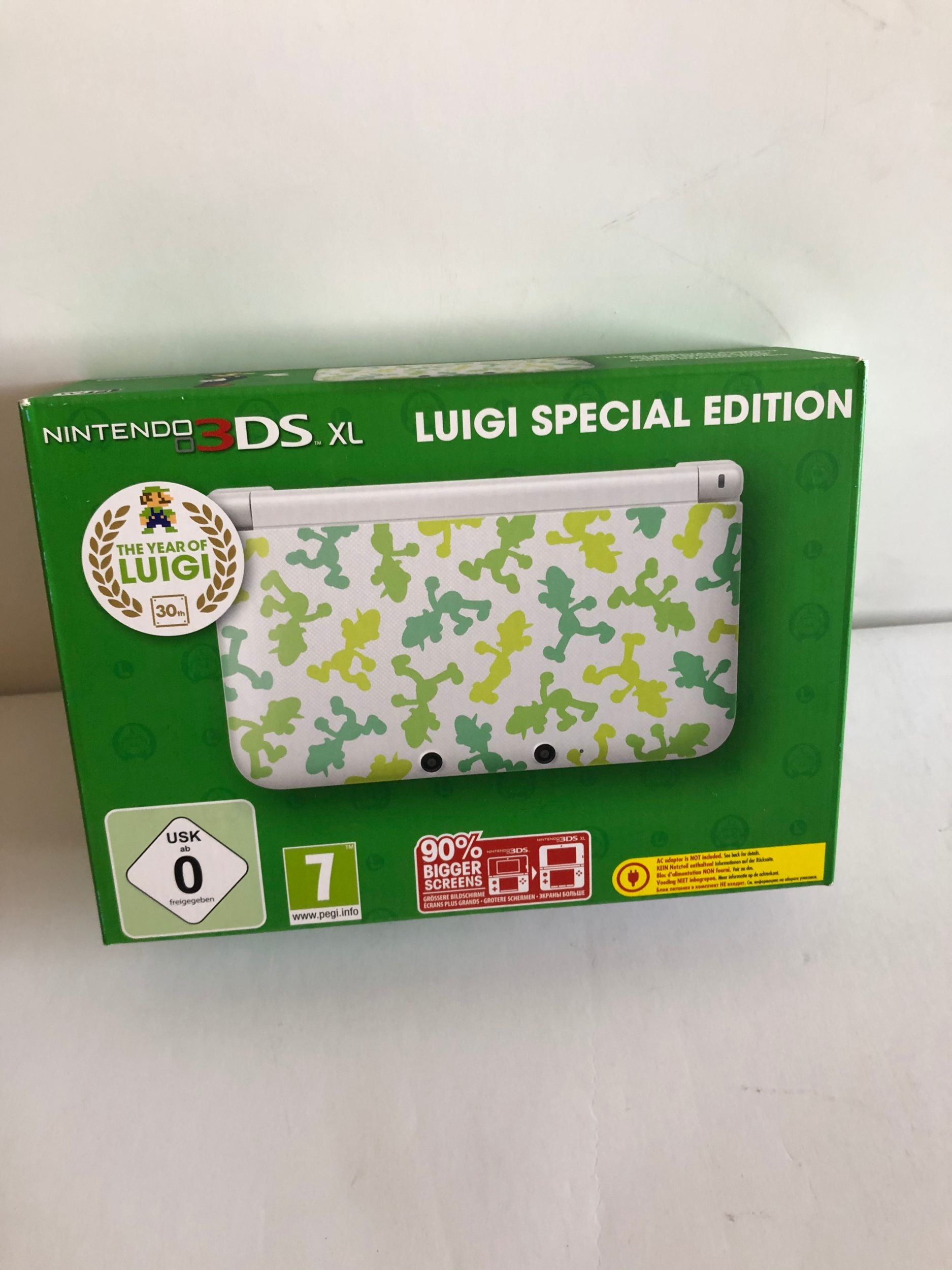 3DS XL console - Luigi Special Edition