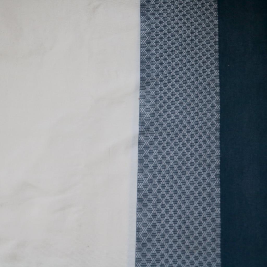 coussin-trendethics-gris-blanc-vietnam-nidabeille-1
