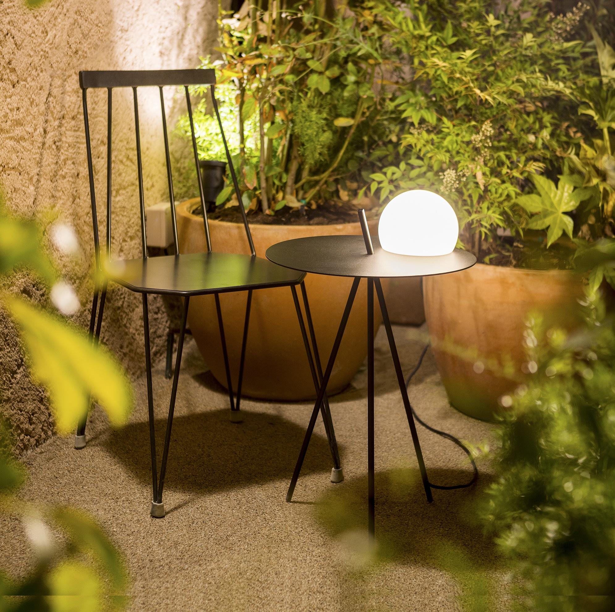 Lampe-table basse pour extérieur - Finition noir mat - Circ Estiluz