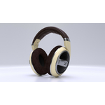 ernesto-enciso-hamden-sennheiser-hd-599
