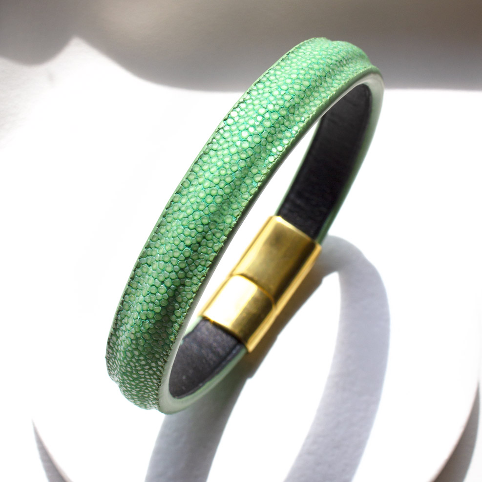 Crivellaro-Bracelets-galuchat-vert-clair