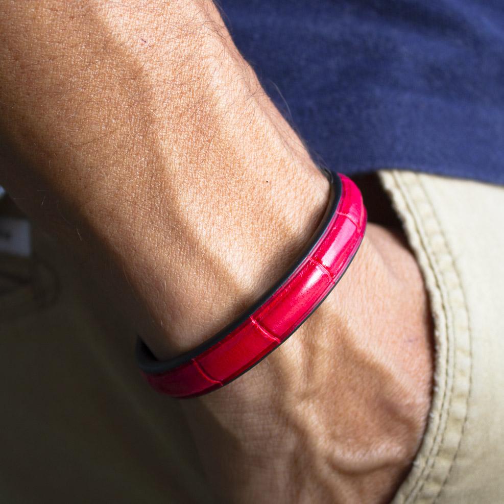 Crivellaro-Bracelets-croco-rouge-vif-poignet