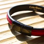 Crivellaro-Bracelets-croco-rouge-vif-fermoir-noir