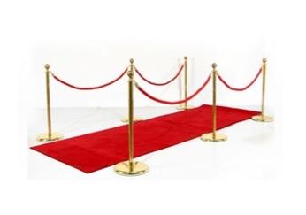 entree-vip-tapis-rouge-potelets-cordons