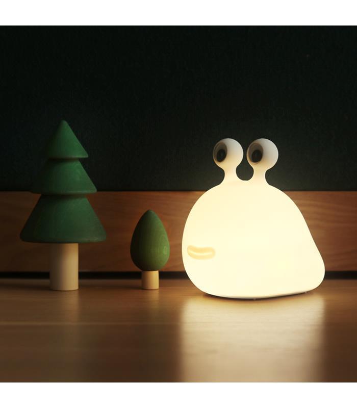 lampe-de-chevet-sans-fil-slug-night-light-by-muid